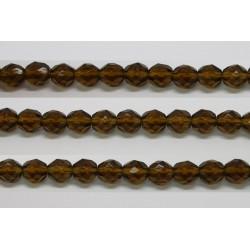 30 perles verre facettes kaki 8mm