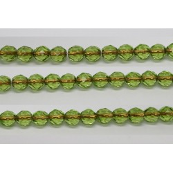 30 perles verre facettes peridot trou cuivre 8mm