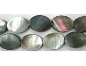 Ovale plat Nacre grise 'BLACK LIP' 20x15